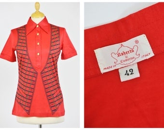 ROBERTA di CAMERINO authentic vintage 1970s red Trompe l'oeil printed polo shirt New/Never used - size S