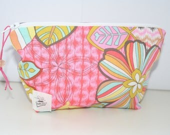 My flowers zippered pouch lined and quilted practice for pet, jewelry