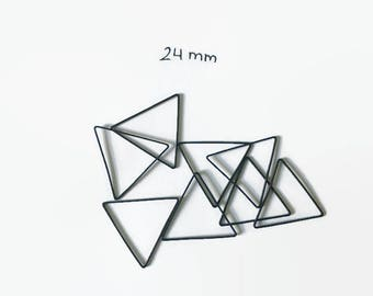 24 mm - 25 Pieces Triangle Charms - Oxidized Brass Charms - Black Charms - Geometric Charms - Black Triangle Charms - Brass Findings