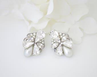 Antique silver wedding earrings-Vintage style rhinestone stud earrings-Swarovski crystal bridal earrings-Bridesmaid jewelry-Pearl earrings