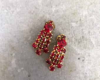 Red chandelier earrings, vintage clip on earrings, rhinestone earrings, vintage earrings, vintage crystal, ruby, garnet, bridal earrings,