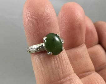 10 x 8mm Jade Cabachon Ring