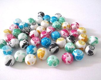 50 white speckled beads mixed color glass 8mm
