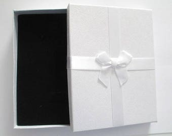 1 box white 16x12cm recyclable jewelry