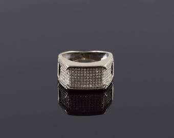 1.64 Ctw Diamond Pave Squared Cluster Band Ring Size 4.5 Gold