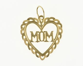 14k Mom Heart Scalloped Trim Cut Out Pendant Gold