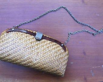 Vintage 70's adorable hand bag straw and bakelite