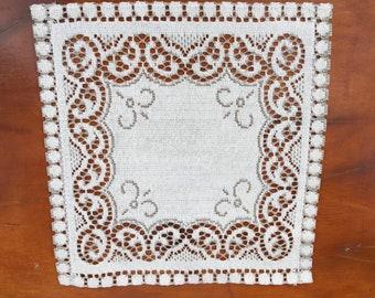 Vintage Linen Doily-Vintage Linen Placemat-Linen Doily-Linen Placemat-Doilies-Set of Doilies-Set of Placemats