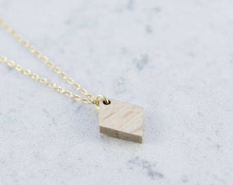 Diamond shaped necklace made of beech,wood,