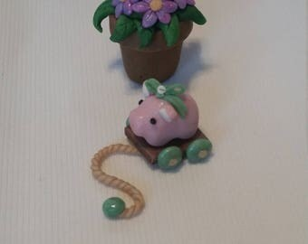 Little pig pull toy