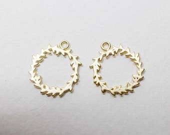 P0695/Anti-Tarnished Matte Gold Plating over Brass/Christmas Wreath Pendant/15x17mm/2pcs