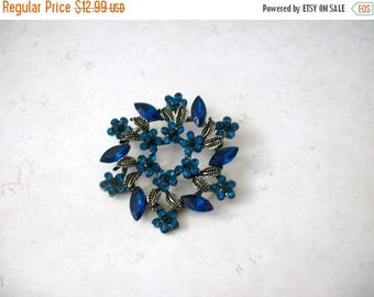 ON SALE Vintage Antiqued Silver Textured Over Sized Glass Rhinestone Pin 62217