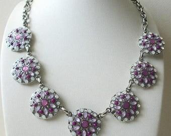 ON SALE Retro Retired White House Black Market Silver Tone Glass Stones Necklace 31417