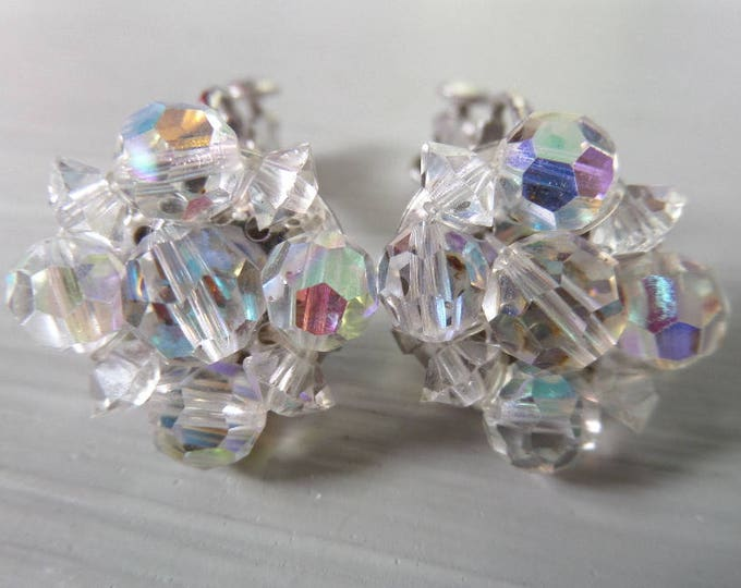 FREE SHIPPING Aurora Borealis Bead Clip On Earrings, Vintage Faceted Crystal, Irridescent Rainbow Effect, Classic 1950's Excellent Condition