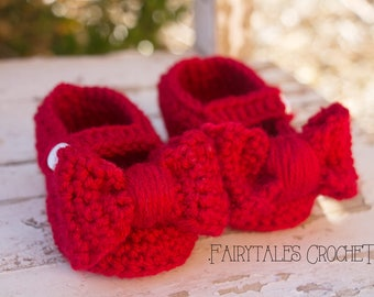 Crochet Ruby Red bow slippers 0-6 and 6-12 months