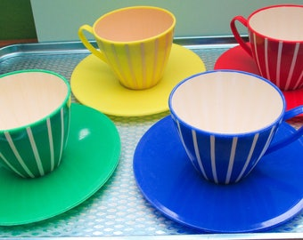 Fabulous Vintage Atomic 1960s Vividly Colourful Melamine Picnic Cups and Saucers