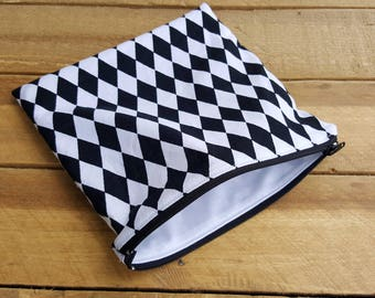 Sandwich and snack bag, checkered, makeup bag, wet bag, reusable bag, food bag, zip sandwich bag, lunch bag, cosmetic bag, mama cloth