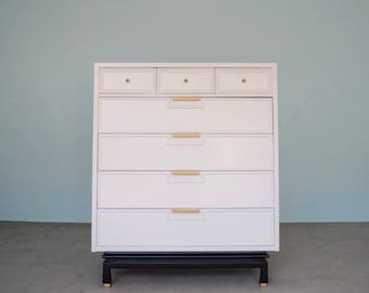 Gorgeous Mid-Century Hollywood Regency 7-Drawer Highboy Dresser by American of Martinsville Refinished in White
