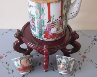 Chinese Teapot Hand PaintedGeisha Bamboo Handles Hong Kong decorated Vtg Mark 2 Antique Tea cups Red Vtg Markings