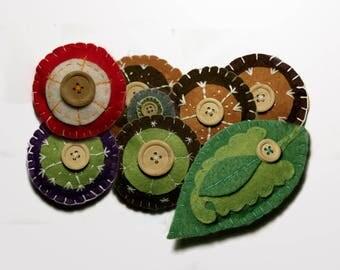 Felt ornaments, decorative felt elements, felt leaf, brown snowlakes, set of 8 felt pieces. Creative leaf, snowflake with solid wood button