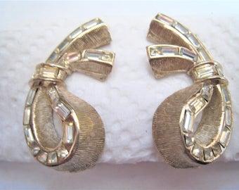 Bergere Clip Earrings