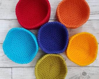 Crochet rainbow bowls. Rainbow bowls. Sorting bowls. Crochet sorting. Colour sorting bowls. Montessori toy. Waldorf toy. Rainbow toy.
