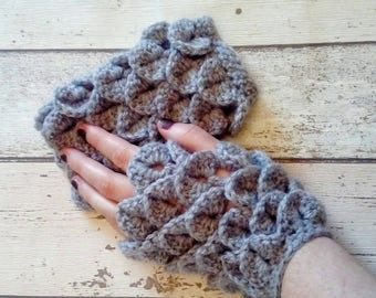 Fingerless gloves, Gift for him, gift for her, Dragon scale arm warmers, dragon mitts, dragon gloves, texting mitts, OOAK Xmas gift