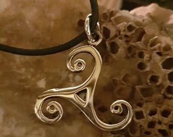 Triskelion Pendant-silver-with free band