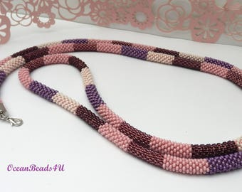 Long Necklace// Colorful necklace//Beaded crochet necklace//African style necklace// Beaded Necklace//Häkelkette