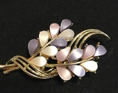 Lavender and cream vintage 1960s floral brooch goldtone and lucite