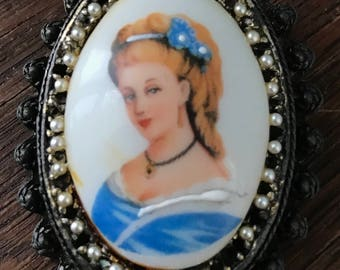 Vintage Limoges Brooch, Hand-Painted Lady, 1960's
