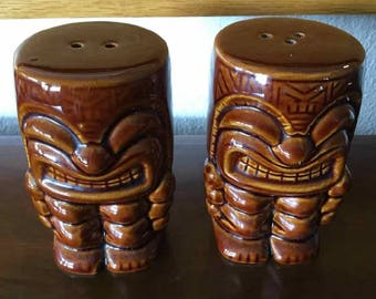 """Vintage Ceramic """"Tiki"""" Salt and Pepper Shakers - Made in USA - Mid-Century"""