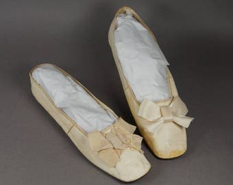 Antique Shoes Georgian Cream Leather Slippers New York Retailers Label Circa 1825