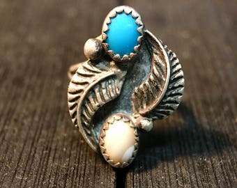 Vintage Navajo Sterling Silver/ Turquoise & Mother of Pearl Ring  #092