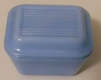 Vintage 50's Pyrex Delphite Fridge Storage Kitchen Container Dish with Lid Made in Canada Trade Mark Pyrex