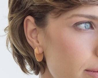 SUMMER SALE- gold disc earrings, circle earrings, everyday earrings,geometric earring, minimalistic earrings,disc stud earrings