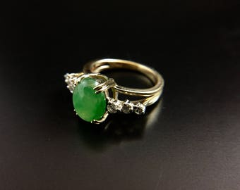 14K yellow gold ring with jade cabochon and diamonds, size 4.5, weight 4.3 grams