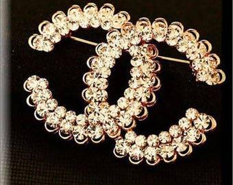 Fashion Elegant Crystal Pin Brooch Women Fashion Rhinestone Designer inspiration letters buckle