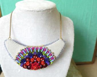 Necklace Plastron Nicte / Flor red & purple