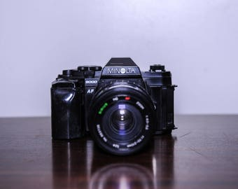 Minolta 9000 35mm SLR Camera with Sirius MC AF 70-210 zoom lens F4.0-5.6 lens - 1985