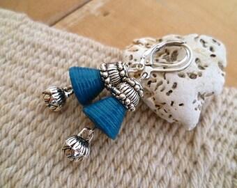 Boucles d'oreilles lotus argent et parles en papier bleu artisanales, cadeau femme, oriental, fête des mères, boucles d'oreilles bohème boho