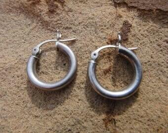 vintage 925 sterling silver hoop pierced earrings