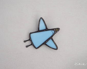 Blue bird. Stained glass brooch