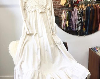 Vintage Late Sixties 1960s Night Gown Dress White Ivory Cotton Cinematic