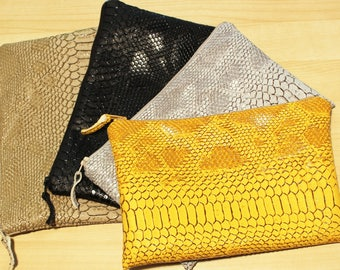 clutch in faux crocodile leather lined with cotton fabric