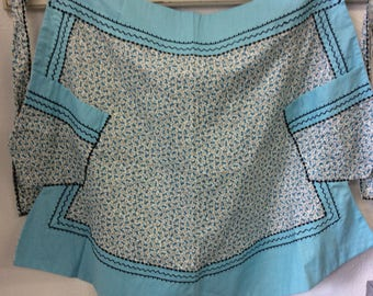 1950's blue apron/vintage apron with blue flowers