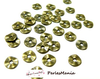100 beads spacer P101871 flat hammered 7mm Bronze