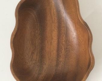 Vintage Tiki Style Wooden Leaf-Shaped Snack Bowl - Retro Style