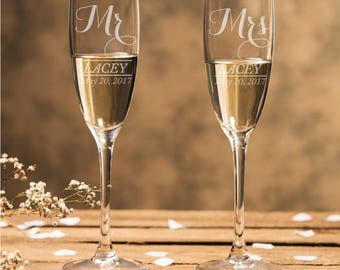 Set of 2 -Fancy Type - Mr & Mrs Champagne Flutes - Wedding Champagne Flutes - Toasting Flutes - (DGI133-CF45520)