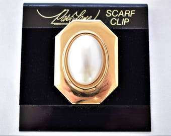 Vintage Park Lane Geometric Square Dress Scarf Clip Gold Tone Unsigned Retro Costume Jewelry 1.5""